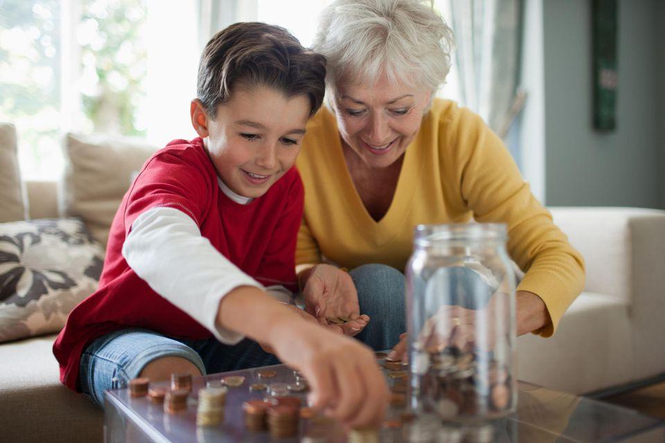 Best Ways to Gift Cash to Grandchildren
